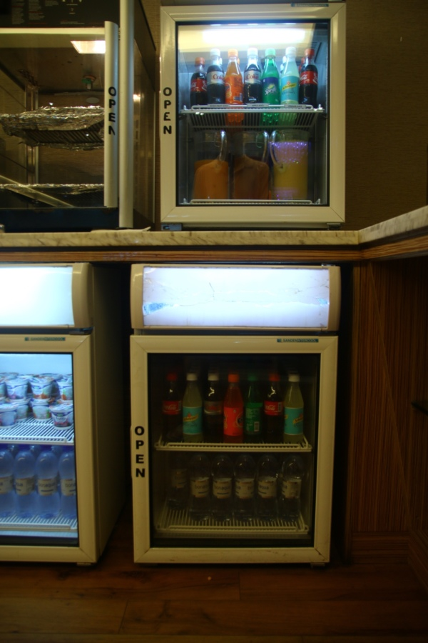 這裡的飲料不用錢~上島就要瞜