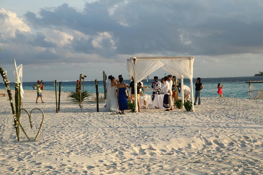 有同胞在辦婚禮