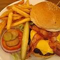 the diner 的起士培根堡