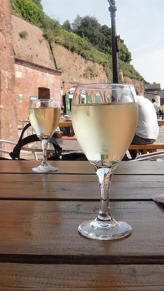 下午來杯白酒就是英式生活啊