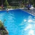 有游泳池喔