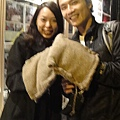 Yuying夫妻撿到手套