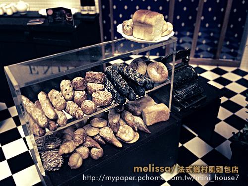 麵包黑白4.jpg