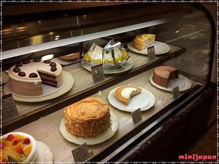 HARBS~蛋糕櫃.jpg