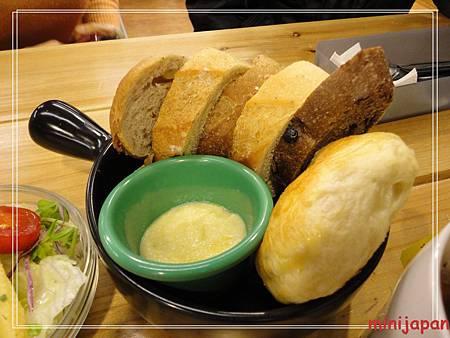 登打士街~麵包盤