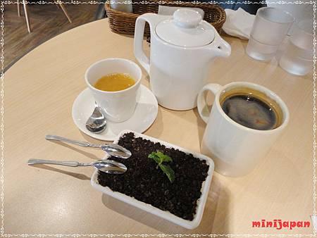 維圖思咖啡~飲料.JPG