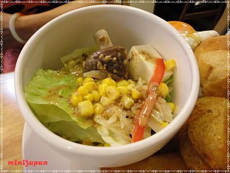初花~照燒雞腿堡早午餐沙拉.JPG