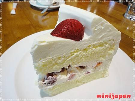 卡布里喬莎~草莓鮮奶油蛋糕.JPG