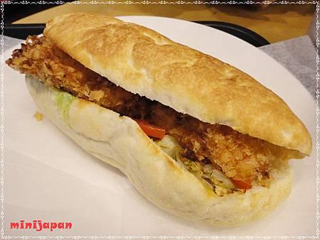 星巴克~炸魚三明治.JPG