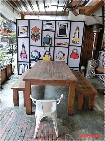 cafe cafe~店外1.JPG