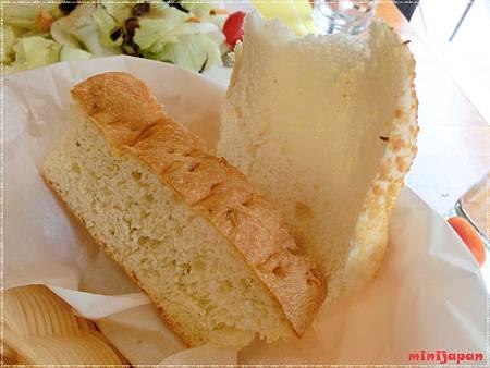 紗汀娜好食~附餐麵包拍.JPG