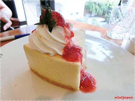 紗汀娜好食~重乳酪起司蛋糕屁股.JPG