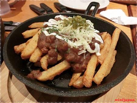 Campus cafe~肉醬起司薯條.JPG