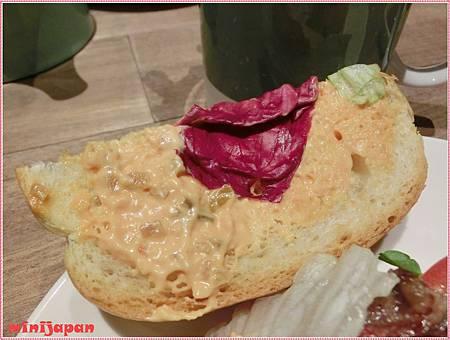 椅子~認真的烤牛肉三明治漢堡醬.JPG