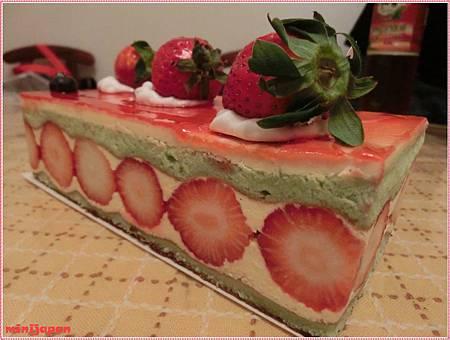 雅聖~草莓芙滋莉側拍拍.JPG