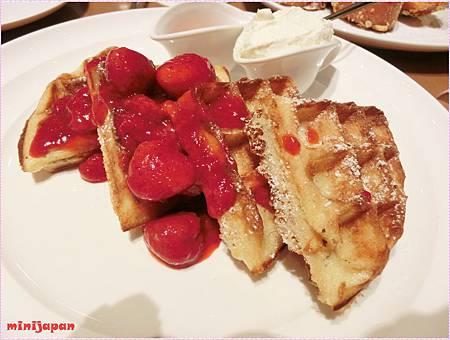 Sarabeth's~草莓鬆餅.JPG