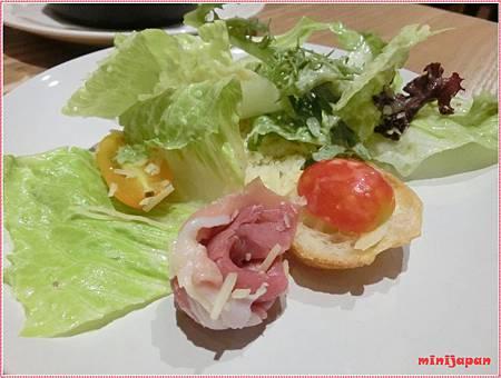 好飯食堂~凱薩沙拉拍拍.JPG
