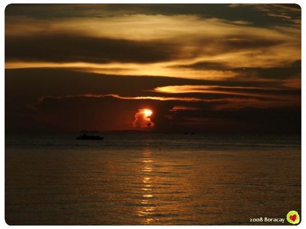 長灘的夕陽  美的很寧靜