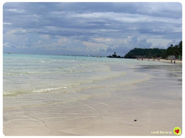 多美麗的白細沙灘