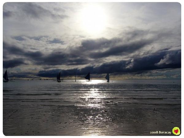 陽光 海 風帆船