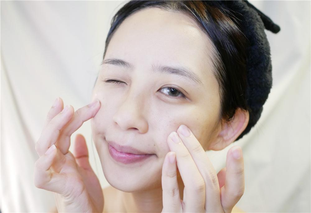 可洛迪CLAUD的美肌泡泡洗顏露 美肌嫩白霜 (1).jpg