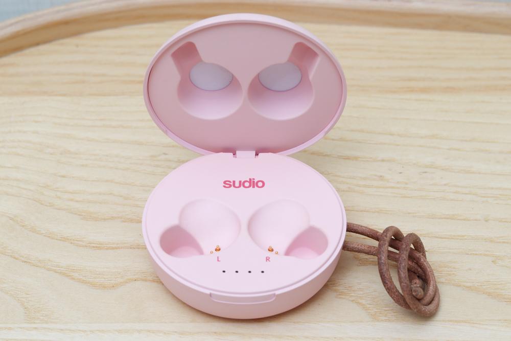 〖 耳機 〗顏值擔當!SUDIO Fem真無線藍牙耳機  開箱評測 |myfone購物 (10).jpg