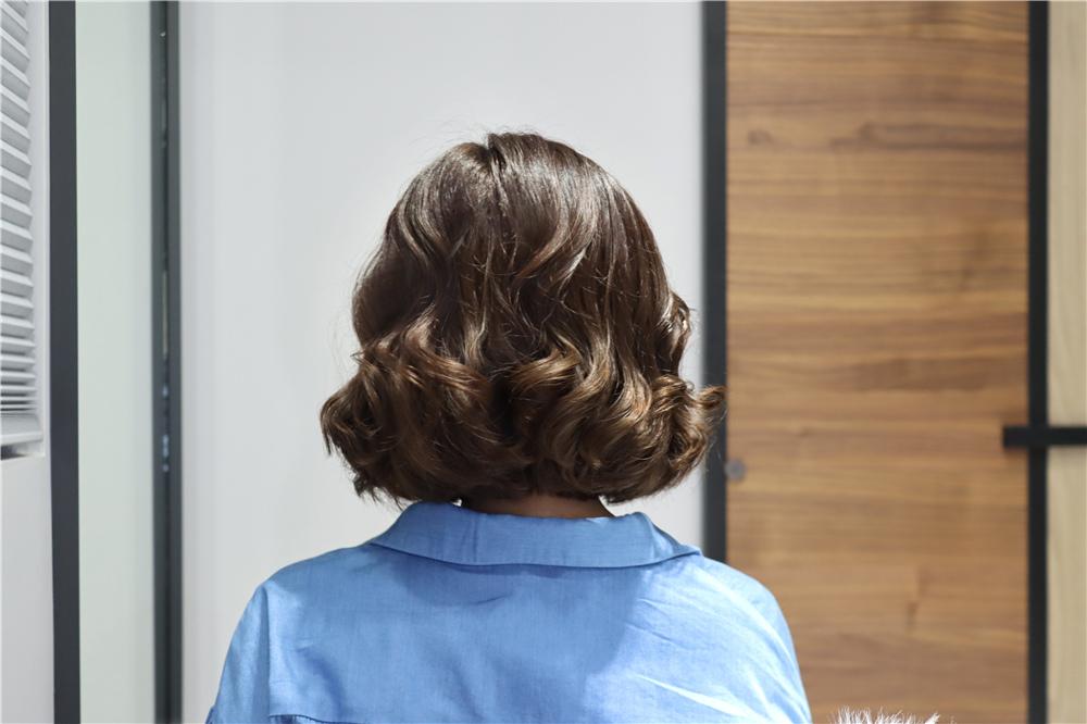 〖 整髮器 〗短髮也可以輕鬆上捲| FUJITEK富士電通 自動捲髮器 陶瓷加熱管 無線充電方便攜帶  (20).JPG