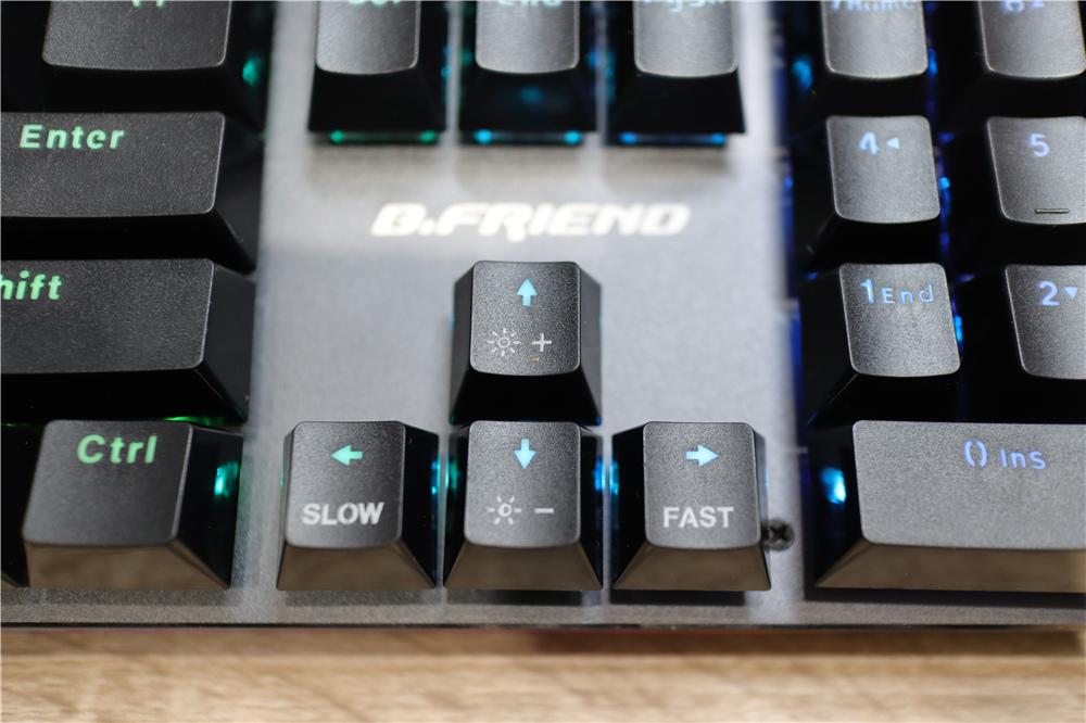 〖 鍵盤 〗B.Friend 電競系列CK1機械光軸有線鍵盤 炫彩RGB燈光 開箱分享|平價電競鍵盤推薦 (20).JPG