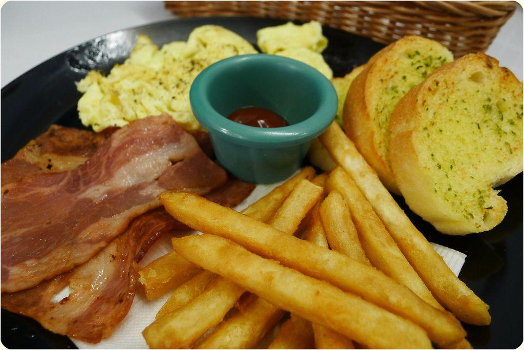 20111012拉摩斯-美式早餐.JPG