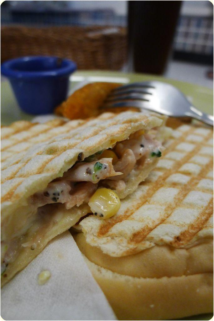 20111012拉摩斯-玉米燻雞panini.JPG