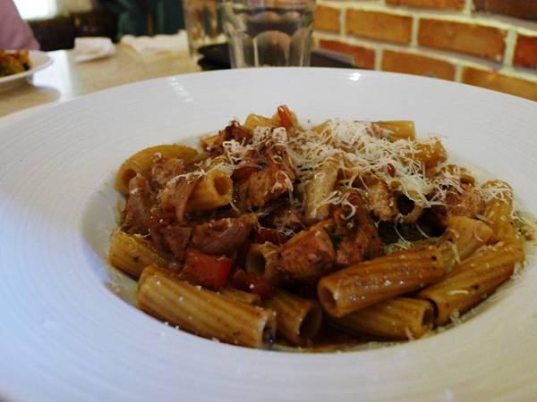 小義大利-紅茄老醋雞肉螺旋管麵