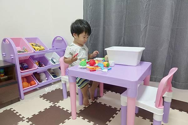 【育兒好物】打造專屬於寶寶的小天地 DELSUN兒童玩具收納架和兒童桌椅組 收納分類好輕鬆