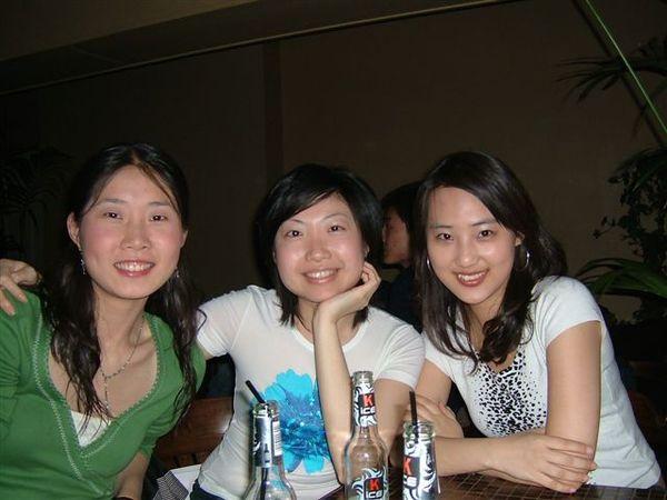 北京女孩Cathy和珠粒.jpg