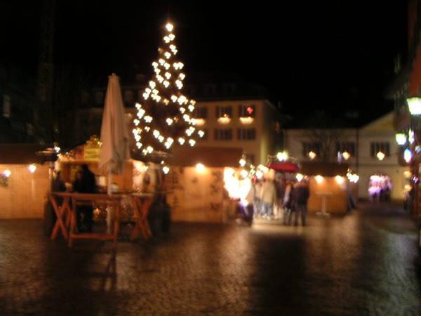 夜晚的聖誕市場