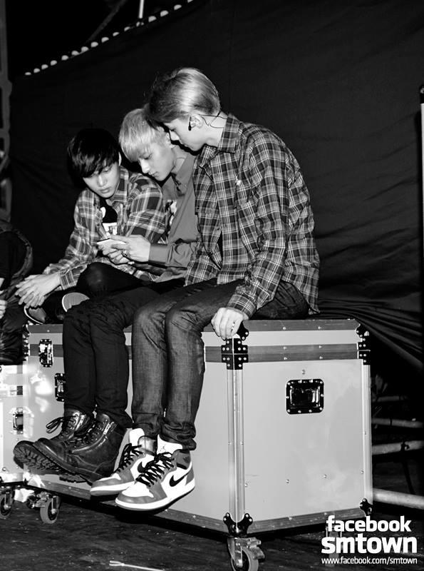 131122 backstage.jpg