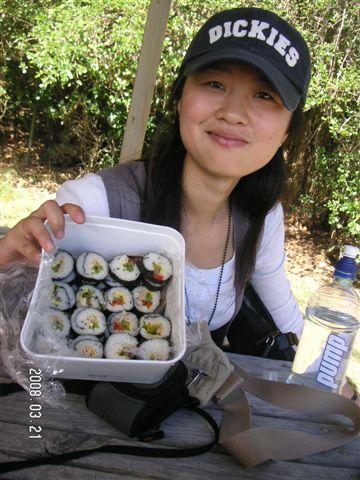 Hee 很貼心的幫我們準備午餐 , Kimba ~好好吃