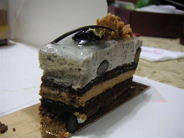 芝麻慕斯蛋糕