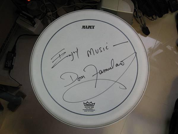 Dom Famularo親筆簽名