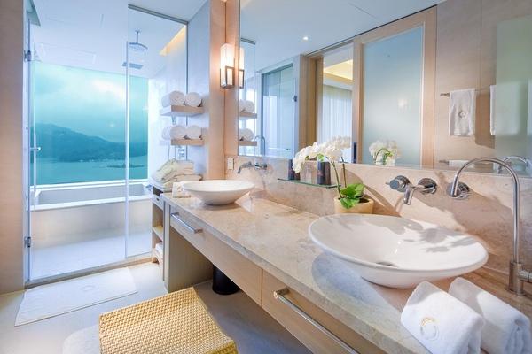 日月客房浴室.jpg