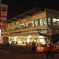 夜晚的 高雄車站