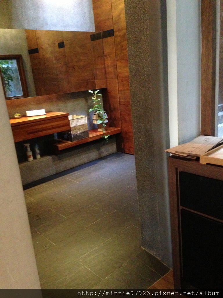 璞樸咖啡 廁所入口