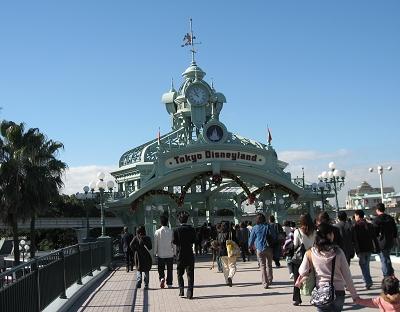 東京Disneyland,天空一樣很藍