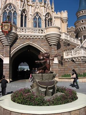 幻想曲裡的Mickey雕像