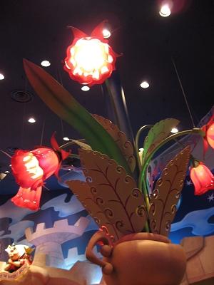 很大株的花花燈