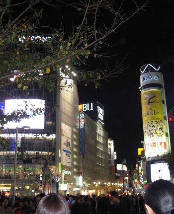 澀谷~~晚上好熱鬧