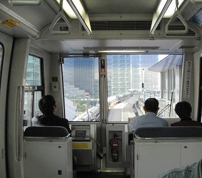 只好來坐無人駕駛的海鷗百合號電車  XD