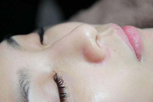 法莫拉打造肌膚的止水閥○草莓鼻掰掰冰河泥軟膜護理 (63).JPG