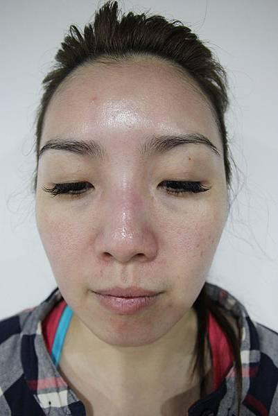 法莫拉→打造肌膚的止水閥01-第一天做完之後一小時.JPG