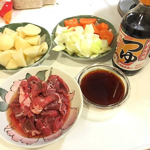 馬鈴薯燉牛肉 (1).JPG