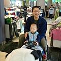 我和爸爸坐熊貓